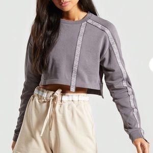NWOT Gymshark 24/7 cropped slate lavender sweater crewneck size small